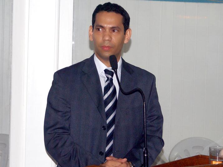 Juiz Gilberto Matos, da Comarca de Acrelândia
