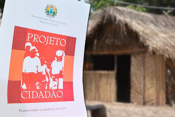 folder com arte do projeto cidadão a frente de uma casa feita com palha de coqueiro
